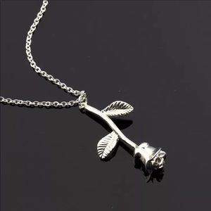 Jewelry - NEW! CUTE ROSE SILVERY NECKLACE CHAIN